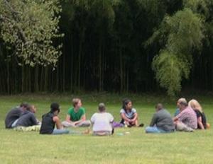 outdoor group conversation 02